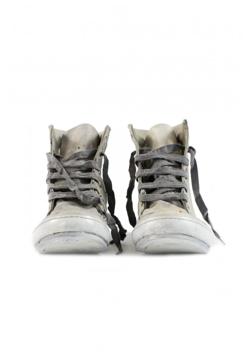 A1923 Grey Horse Sneakers